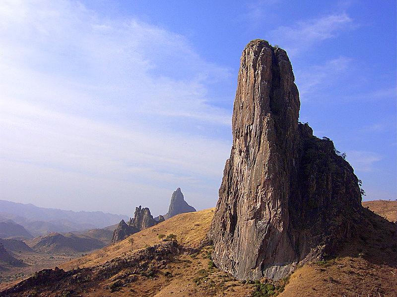 Ruhmsiki Peak im Hochland von Kamerun (c) Acaja